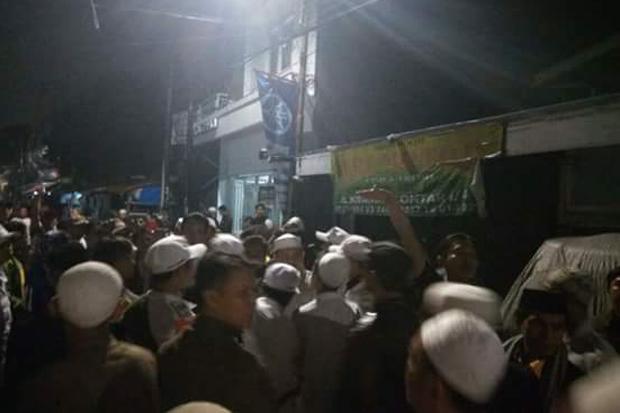 Astaghfirullah, Rumah Ketua FPI DKI Jakarta Diserang Banser dan Preman Ambon