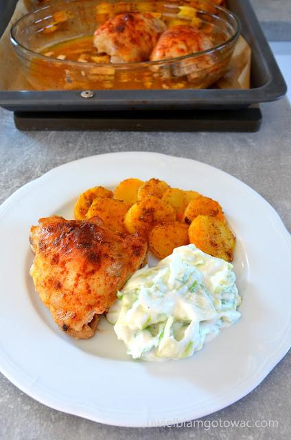 Kurczak w maślance i talarki ziemniaczane