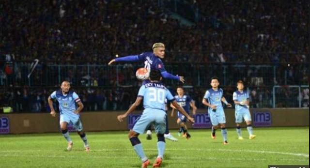 Persela Lamongan vs Arema FC 4-0