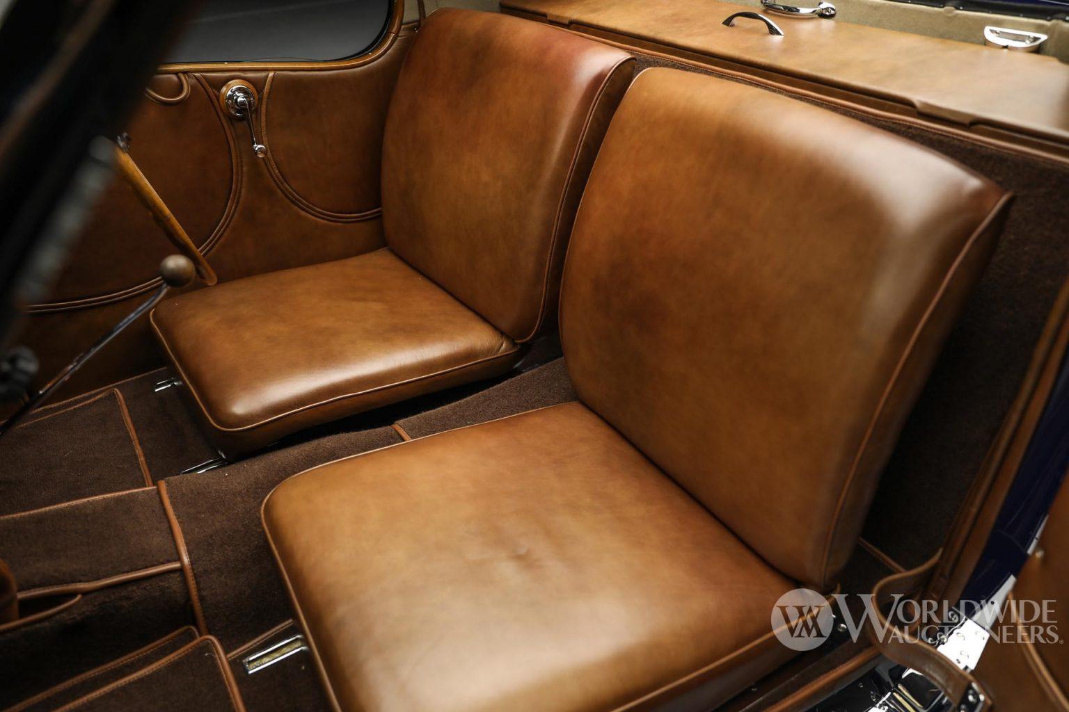 بوجاتي تايب 57 سي أتالانت كوبيه موديل 1938 المقاعد