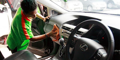 Cara Tepat Membersihkan Interior Mobil