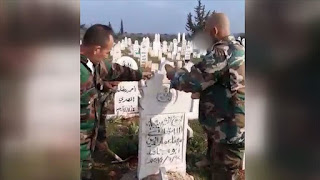 قوات النظام السوري يهدمون مقابر المدنيين في خان السبل بإدلب (فيديو)