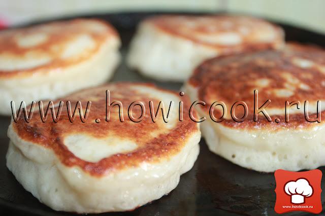 рецепт дрожжевых оладий на кефире с пошаговыми фото