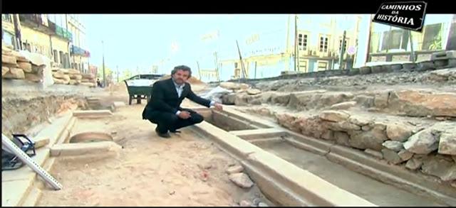 video sobre os vestígios arqueológicos da Rua Mouzinho da Silveira.