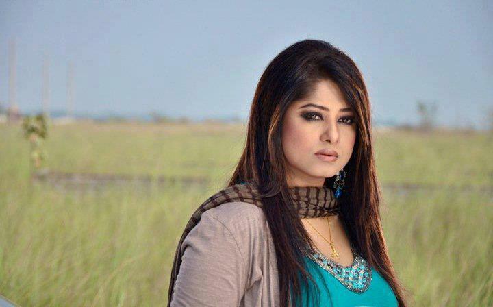 Actress Mousumi Best Photos & Short Biography 19