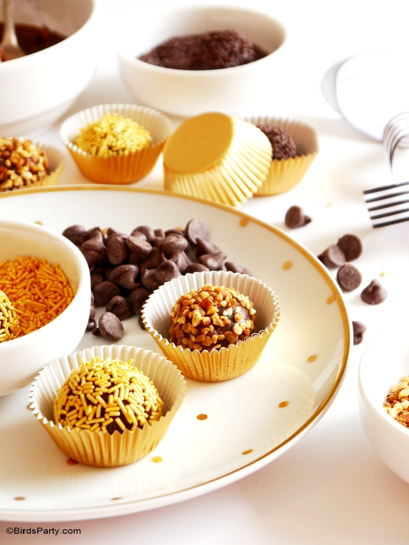 Pumpkin Spice Brazilian Brigadeiro Truffles - easy, delicious treats with all the flavors of pumpkin pie - perfect for Halloween or Thanksgiving! by BirdsParty.com @BirdsParty #pumpkin #pmpkinspice #pumpkinpie #pumpkintruffles #pumpkinrecipes #pumpkindessert #truffles #halloweenrecipes #thaksgivingrecipes #halloweendessert #brigadeiro #brazilian