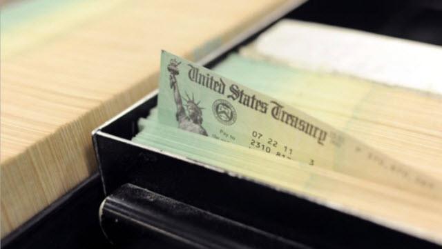 رسميًا.. مجلس النواب يقر 600 دولار شيكات تحفيز اقتصادي لمعظم الأمريكيين