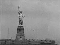 """Кадр из фильма Чарли Чаплина """"Иммигрант"""" (1917) - 7"""