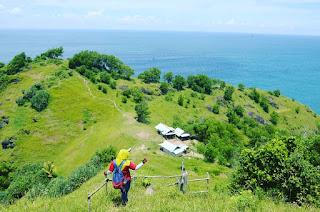 Wisata Bukit Pengilon Gunung Kidul, Spot Menikmati Pantai Selatan
