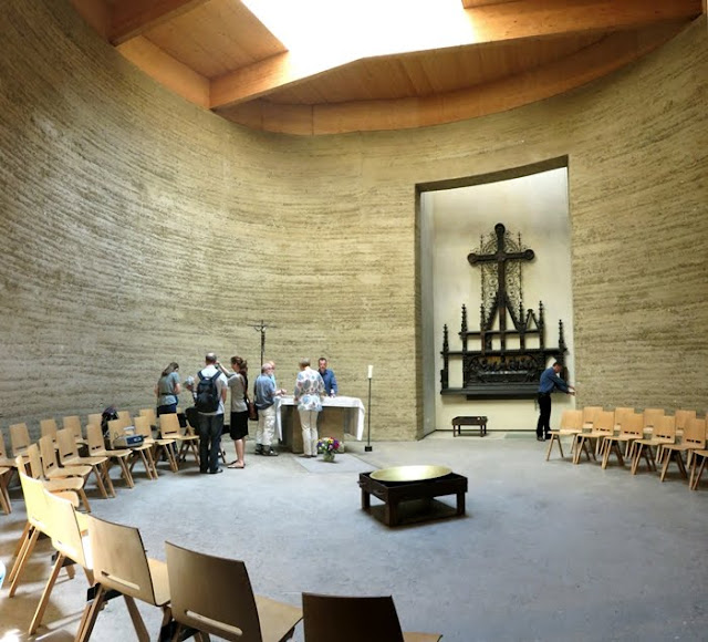 Berlino Chiesa Terra cruda interno