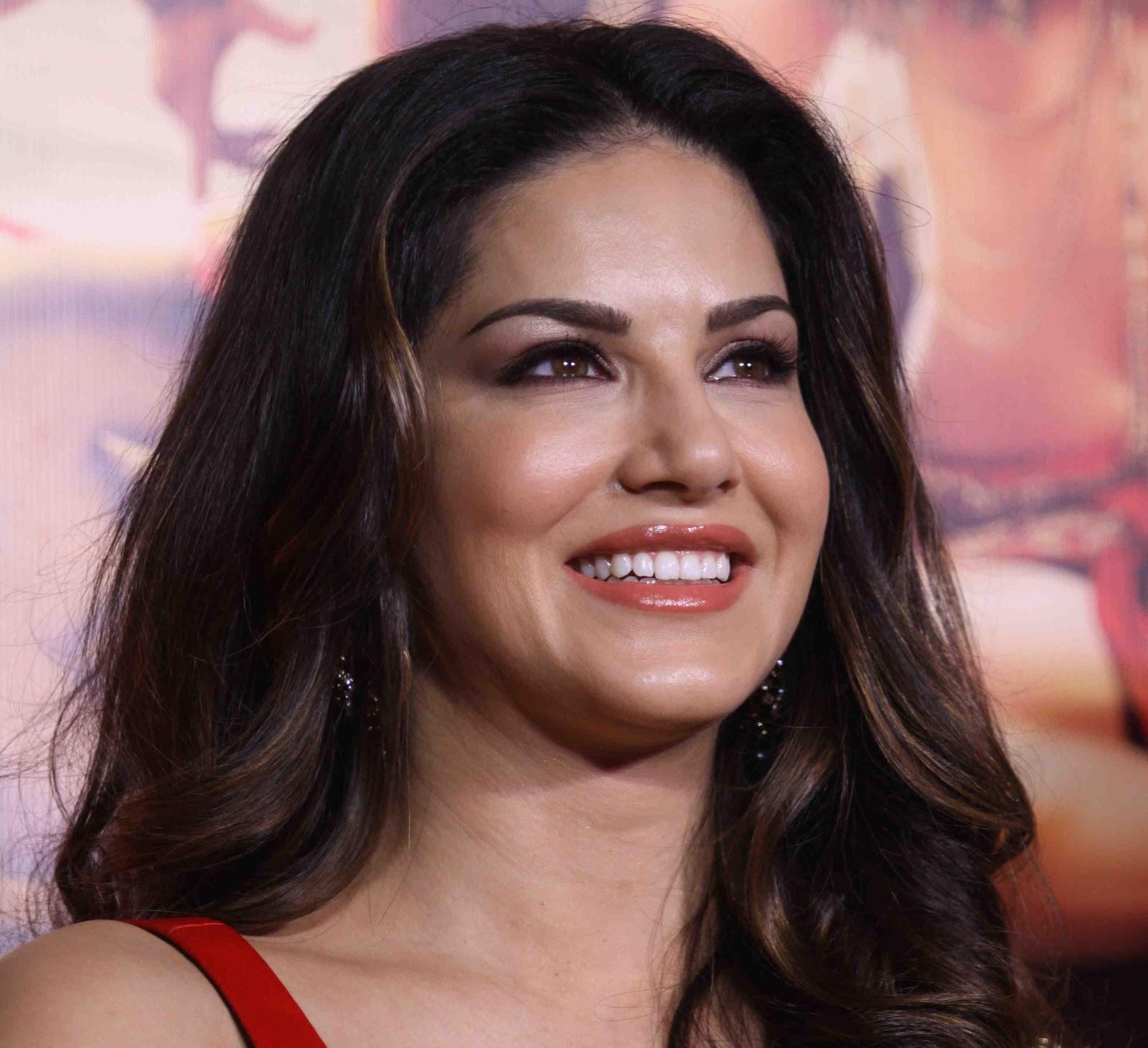 Fantastic Images of Ex Porn Star actress Sunny Leone