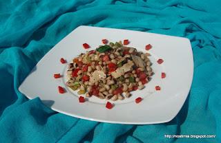 Πολύχρωμη σαλάτα με μαυρομάτικα