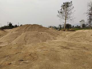 आमगांव में 100 ट्राली रेत का अवैध भंडारण किया गया जप्त