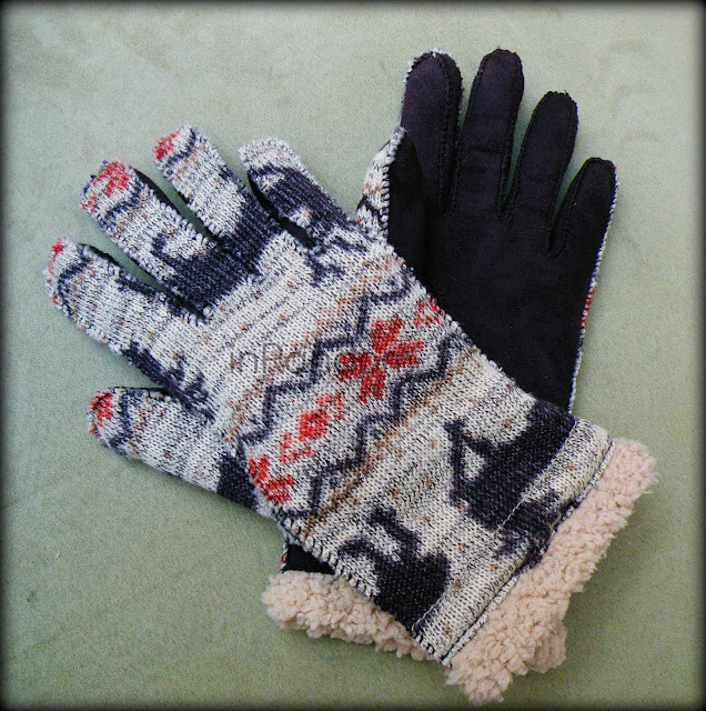 Grandoe Homespun Gloves