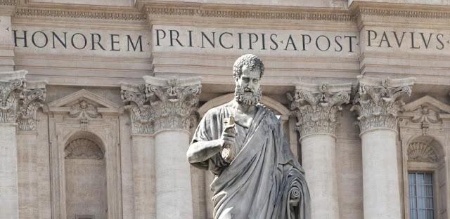 statue-pierre-avec-les-cles-vatican