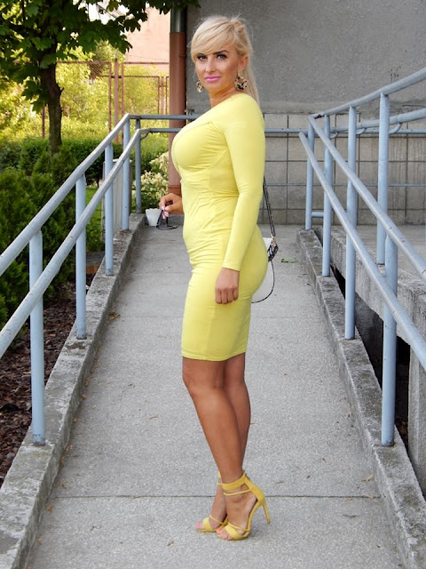 Neonowa sukienka od river island