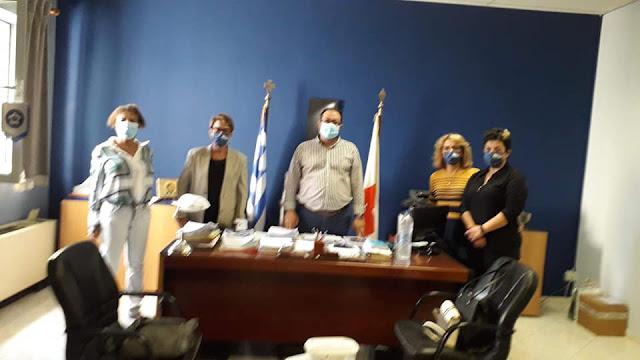 Δωρεά 650 μασκών από το Παράρτημα Λιβαδειάς της Ε.Α.Ε. στο Γενικό Νοσοκομείο Λιβαδειάς