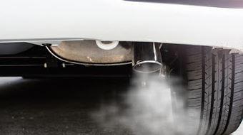 Knalpot Mobil Berasap dan Berair