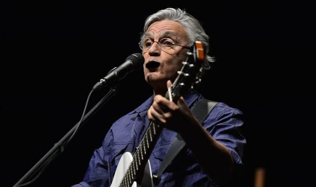 O que sai da boca de Caetano Veloso é tão redutível quanto suas músicas