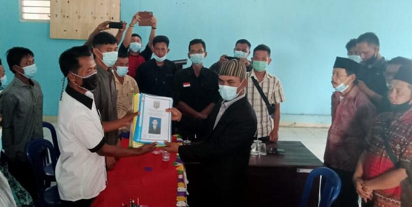 Serahkan Berkas Pencalonan Kakam Umpubakti, Triono Siap Bersaing Secara Sehat