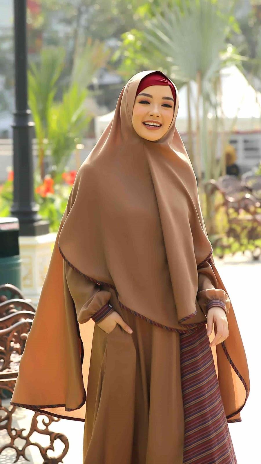 wallpaper muslimah cantik hijab amoy cantik dan manis Muallaf