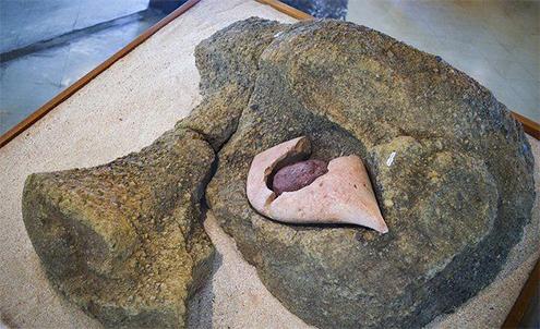 moai-isla-de-pascua-moais-historia-dibujo-dibujos-la-cuantos-hay-misterio-coral-blanco-ojos-aringa-ora-rostros-vivos