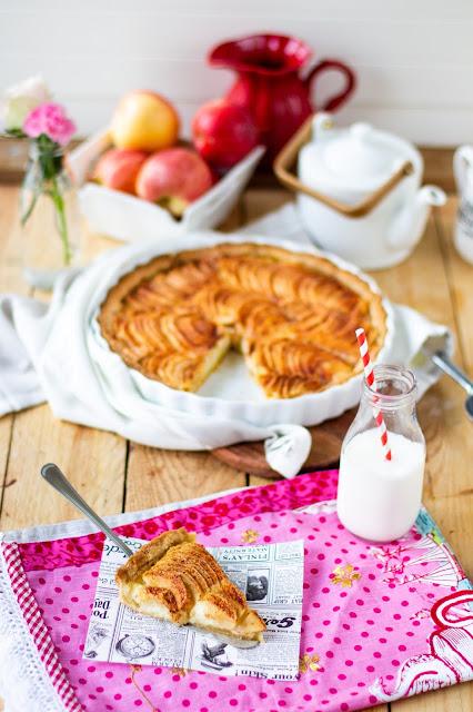 apple pie with vanilla custard filling