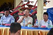 Penuhi Janji Kampanye, HBK Bagikan Hand Traktor Untuk Petani