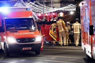 La Policía de la capital alemana ha confirmado que un vehículo pesado ha entrado en el mercado de Navidad de Breitscheidplatz, en el barrio Charlottenburg, cerca de la iglesia en recuerdo del emperador Guillermo, informa el diario local 'Berlin  Zeitung'.