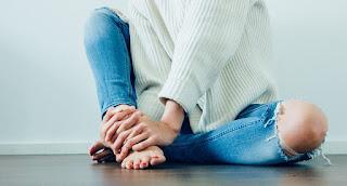 Penyabab (punca), Simtom dan rawatan Sakit Tumit