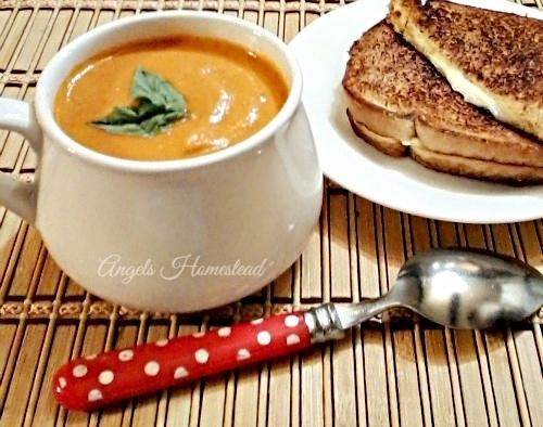 Home Sweet Homestead: Homemade Tomato Soup