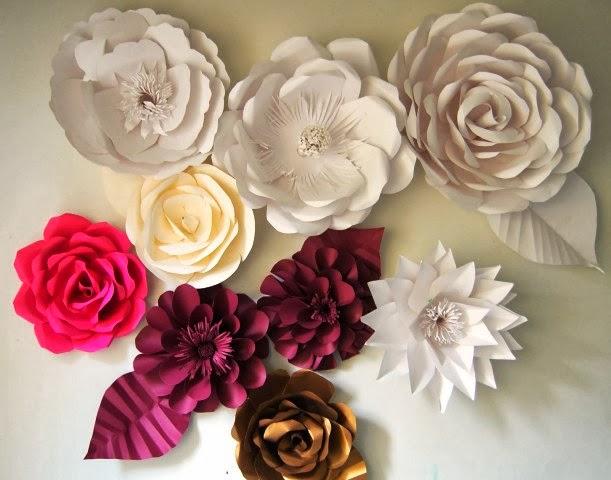 Bunga Mawar Dari Kertas Bekas