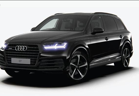 Audi Q7 black Edition 2019 Side View