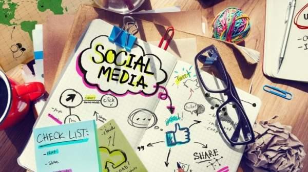 Menebar Bukti Ekstensi di Media Sosial, Untuk Esensi atau Hanya Sensasi