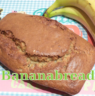 http://www.danslacuisinedhilary.blogspot.fr/2012/11/banana-bread.html
