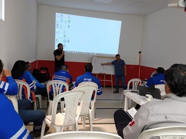TRAINING IN COLOMBIA