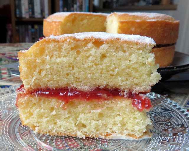 Mary Berry's Victoria Sandwich Cake