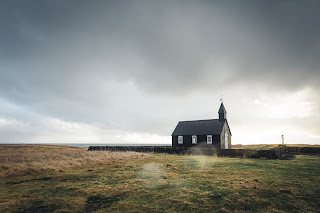 Church in the Wilderness by Unsplash.com