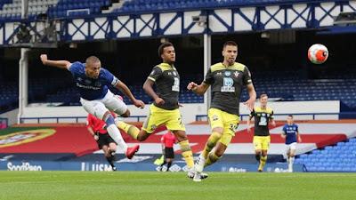 Video Everton 1-1 Southampton: Tiếc nuối phạt đền, siêu phẩm giải nguy