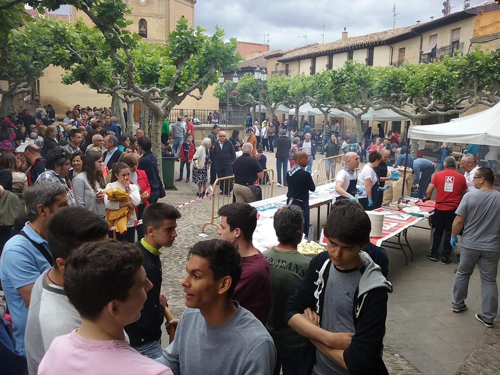 Revista berberana encuentro elciego idiazabal for Oficina turismo laguardia