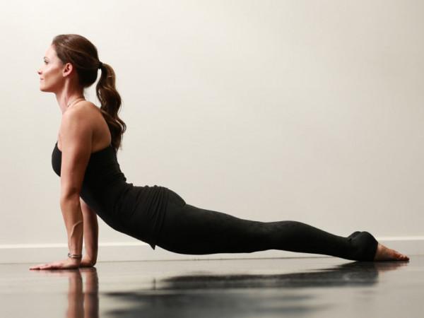 Chỉnh dáng hiệu quả với 5 tư thế Yoga
