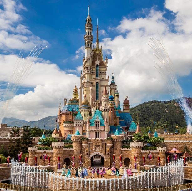Hong Kong Disneyland Resort unveils Castle of Magical Dreams
