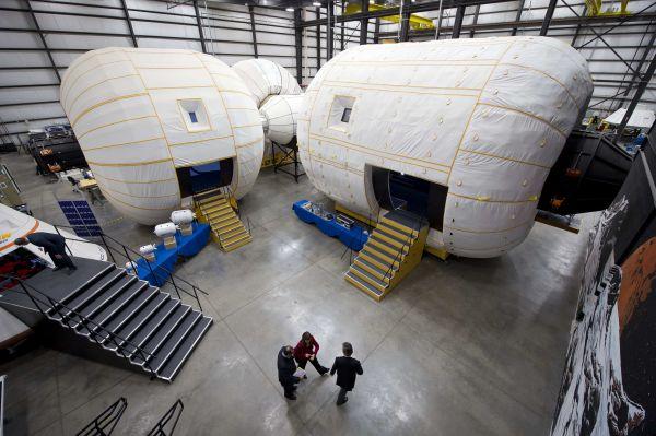 Posiblemente así lucirían las cabinas inflables que compondrían el futuro hotel espacial de Bigelow y ULA.