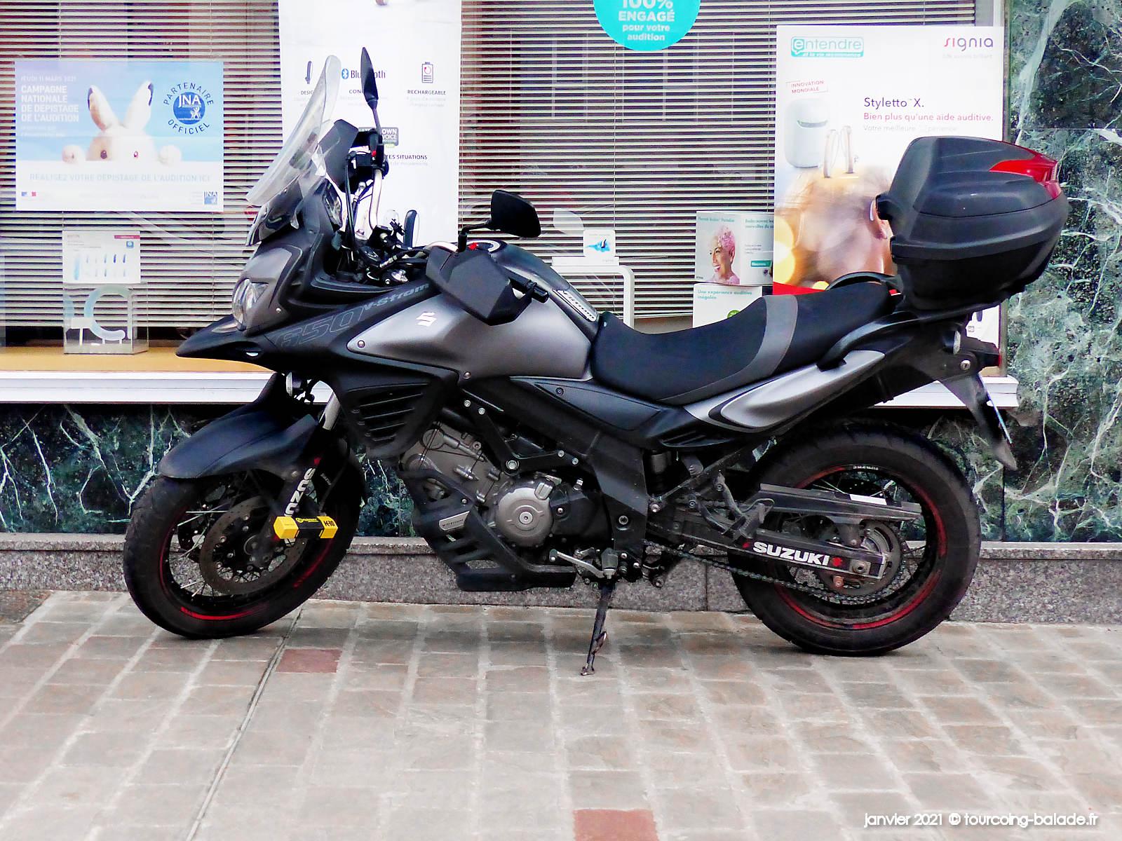 Moto Suzuki V-Strm 650, Tourcoing 2021