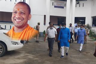 UP CM के आगमन को लेकर डीएम, एसपी ने लिया कार्यक्रम स्थल का जायजा | #NayaSaberaNetwork