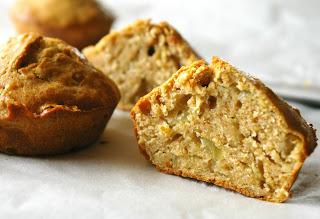 wytrawne muffinki z cebulą