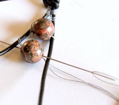 como hacer una pulsera de perlas