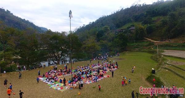 Xã Niêm Sơn tưng bừng lễ hội lồng tồng