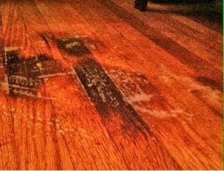 lantai kayu yang terlanjur kotor