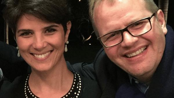 """Ex-apresentadora da Globo sobre seu casamento com ex-padre: """"Não estou nem aí para a família tradicional católica"""""""
